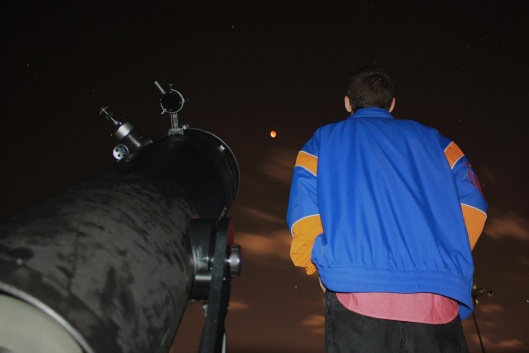 Chris Stubenrauch and others organized a chance for students to view the rare supermoon eclipse through his telescope. Photo courtesy of Chris Stubenrauch.